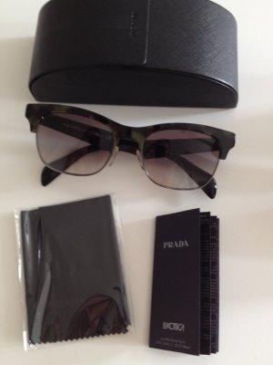 Prada Sonnenbrille mit Prada Schriftzug