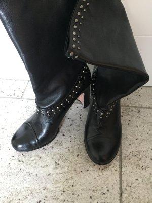 Prada Stiefel in schwarz mit Nieten