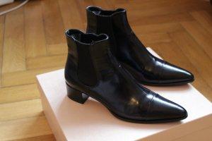 Prada Stiefelette schwarz Gr. 38,5