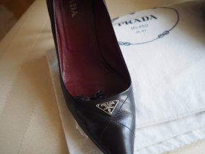 PRADA super edle Pumps schwarz Gr.37 made in Italy NP 640€