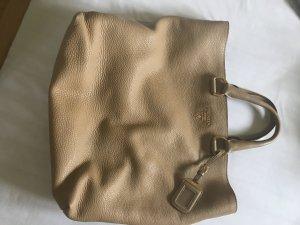 Prada Tasche in einer traumhaften Farbe