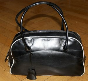 Prada Tasche Leder schwarz weiß Vintage Schloss 34 x 20 x 13 Handtasche