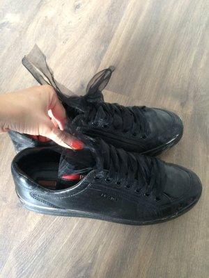 Prada Turnschuhe schwarz Leder 37