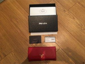 PRADA wallet// Portemonnaie in tollem rot