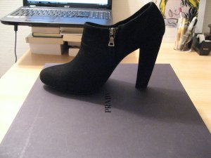 Prada Wildleder Ankle Boots (Gr. 39)