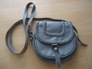 Praktische, kleine Umhängetasche mit geflochtenem Muster, grau