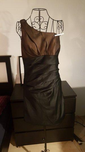 Praktiziert Kleid