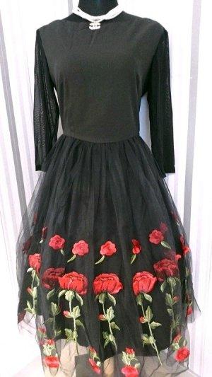 Robe avec jupon noir-rouge tissu mixte