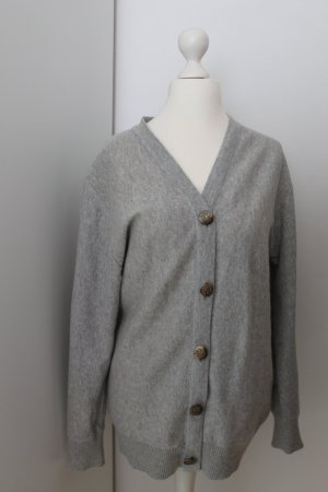 Preppy Cardigan in Grau
