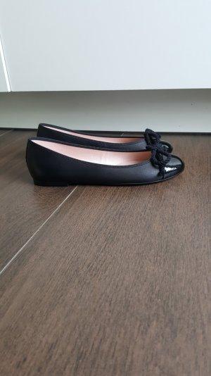 Pretty Ballerinas 36 schwarz klassisch Lack Kordel Zehenkappe