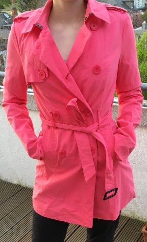 Pretty in Pink: Neuwertiger Trenchcoat von S'nob