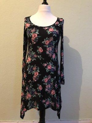 Primark Atmosphere schwarzes Kleid mit Blumenmotiv, Größe 40