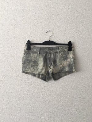 Primark Hotpants Jeansshorts S grau Nieten