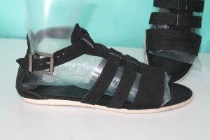 Primark Sandalo con cinturino nero
