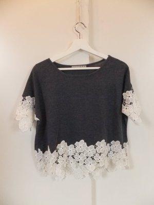 Primark Shirt mit Blumen Spitzensaum