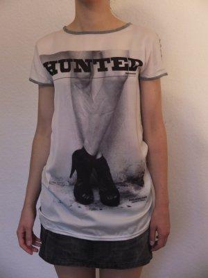 Print Shirt von Zara in Schwarz Weiß Grau