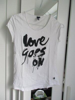 "Print-T-Shirt ""love goes on"""