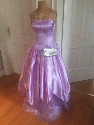 Prinzessin Abendkleid mit dazu passenden Täschchen