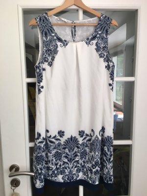 Promod Kleid Gr. 40/42 weiß-blaues Blumenmuster wunderschön A-Linie