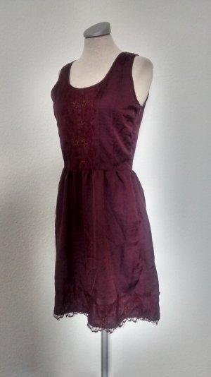 Promod Kleid + Spitze + Perlen bordeaux Gr. 34 XS neu