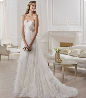 Pronovias Wedding Dress white