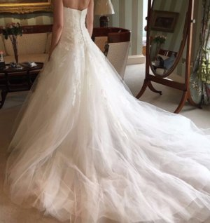 Pronovias NEU Model Barocco Ivory