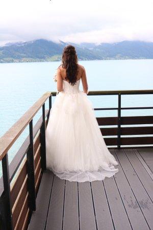 Pronovias White one Hochzeitskleid