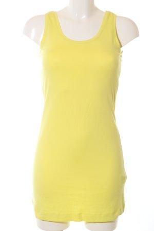 Public Top largo amarillo pálido look casual