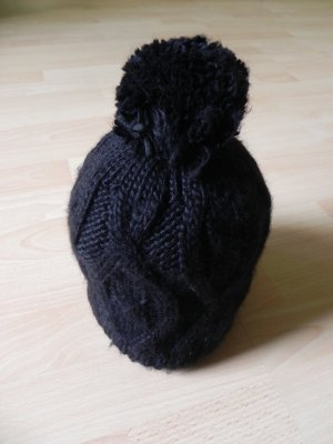 Knitted Hat black mixture fibre