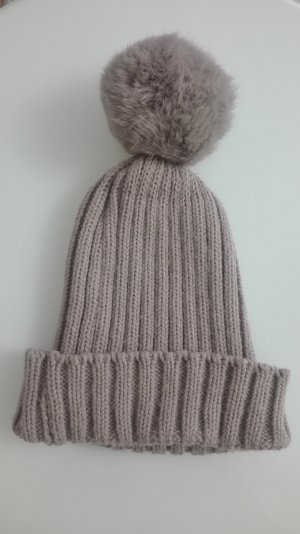 Knitted Hat beige fur