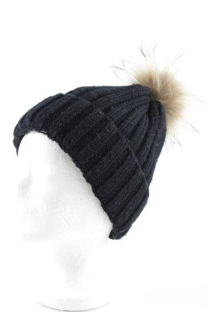 Bobble Hat black-beige casual look