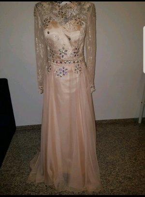 Puder farbenes Abendkleid