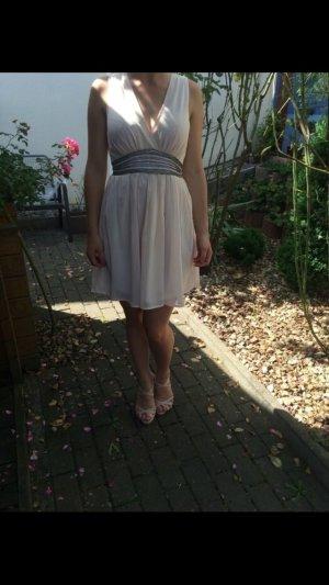 Puderrosa Kleid mit Pailletten