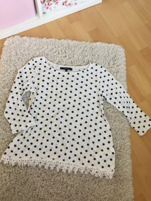 Pünktchen-Shirt mit 3/4-Ärmeln und Spitze