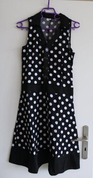Pünktchenkleid, weiß mit schwarzen Punkten (Größe M)