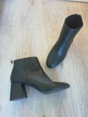 Pull & Bear Ankle Boots black-gold-colored