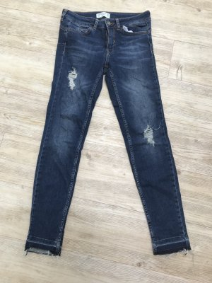 PULL&BEAR Destroyed Jeans