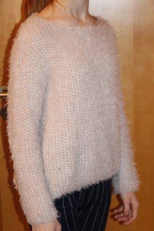 PULL&BEAR flauschiger Pullover Gr. S