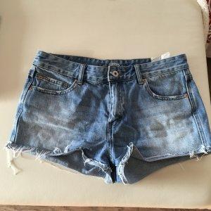Pull & Bear Short Trousers steel blue-white
