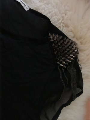 Pull & Bear // Schwarzes Shirt mit Nieten // Gr.36