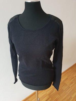 Pulli mit Schulterdetail