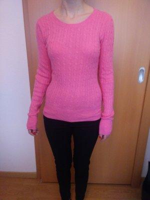 Pulli von H&M, das Pink ist nicht ganz so grell wie auf dem Bild