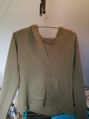 Maglione di lana verde oliva