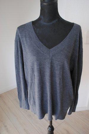 H&M Premium Maglione con scollo a V grigio Lana merino