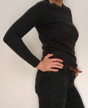 Pullover figurbetont