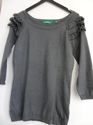 Pullover grau mit Rüschen 3/4 Ärmeln