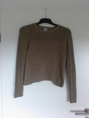 Pullover hinten offen