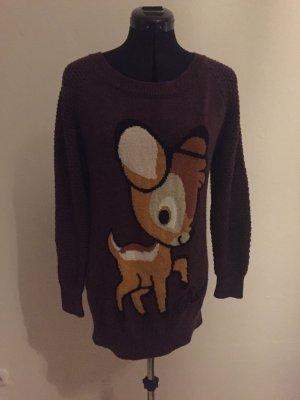 Pullover im Beerenton mit Bambi