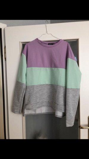 Pullover im Blockmuster