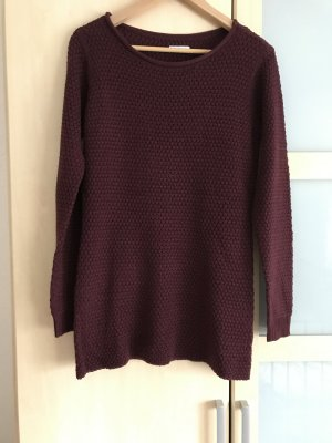 Pullover in Brombeer-Ton